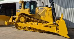 2014 – D8T – 3300 hours (900 Idle)